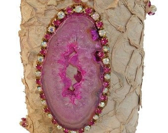 Tan Fish Leather with Hot Pink Sliced Agate Stone with Gorgeous 4mm Hot Pink and Opaque White and Rhinestone Border