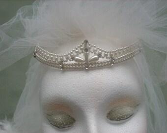 Wedding hairband- Beautiful Tiara- Perls headpiece - Bridal headdress-