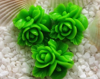 Resin Flower Cluster Cabochon - 16mm x 17mm - 12 pcs - Green