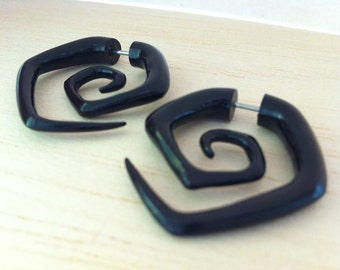 Pair Carved Organic Tribal Black Horn Hexagon spiral fake earrings ear piercing