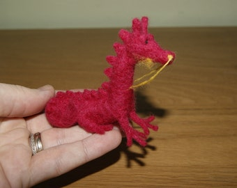 Felted dragon, felt dragon, tiny dragon, soft sculpture, miniature dragon, fairy tale animal, natural wool toy