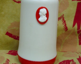 Cute Vintage 1950's Cleanser Can Holder- Cameo, Cream and Red