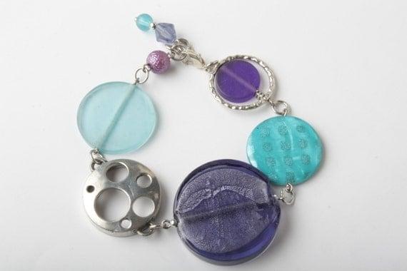SALE - Blue and purple chunky bracelet - bubble bracelet - shell - indonesian resin - silverfoil glass - original bracelet -