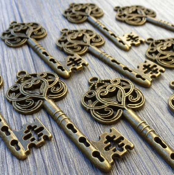 Wholesale Lot 20pcs Steampunk Victorian wholesale antique bronze skeleton key pendant charm necklace Alice in Wonderland 111  jewelry