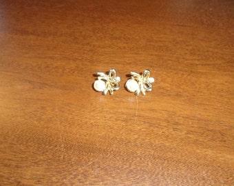vintage clip on earrings goldtone faux pearl rhinestone