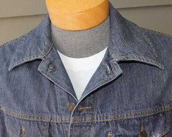 vintage 1950's - 60's Men's -Roebucks- denim jacket. Two pocket 'trucker' in great condition. Green line selvedge. Size 42 R