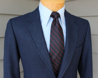 vintage 70's - 80's Men's -H.I.S.- Navy Blue single breasted blazer. 'New Old Stock'. Wool Blend hopsack - Italy. Size 37 - 38 Long