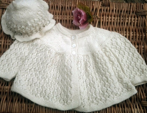 Baby's traditional cream / ivory Diamond lace hand knitted matinee jacket and hat pram set.