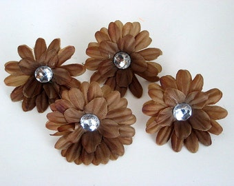 Brown 2 inch Gerber Daisy (set of 4)was 1.10