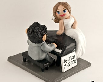 Piano Bride and Groom Wedding Cake Topper