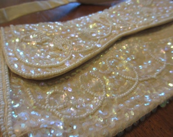 Vintage Cream Beaded Purse