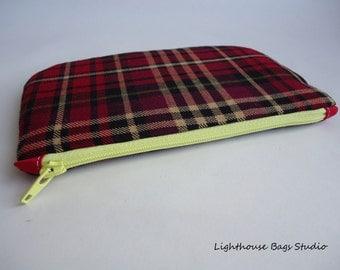 LABOR DAY SALE !! Small Zipper Pouch - Reddish Plaid