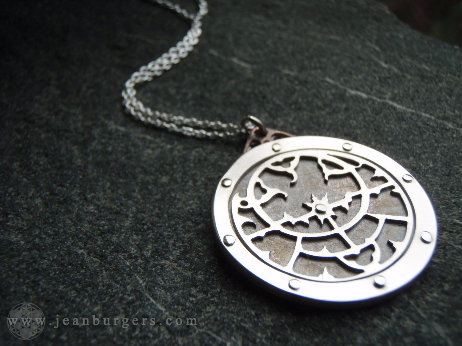 planispheric astrolabe pendant ancient mapping device