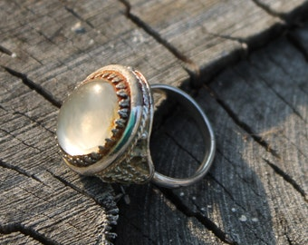 Vintage Silver Filigree Ring with Cloudy Glass Stone