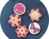 RING BUTTONS Hand Made Asian Painted Crocheted Rose Red Ivory Set 5