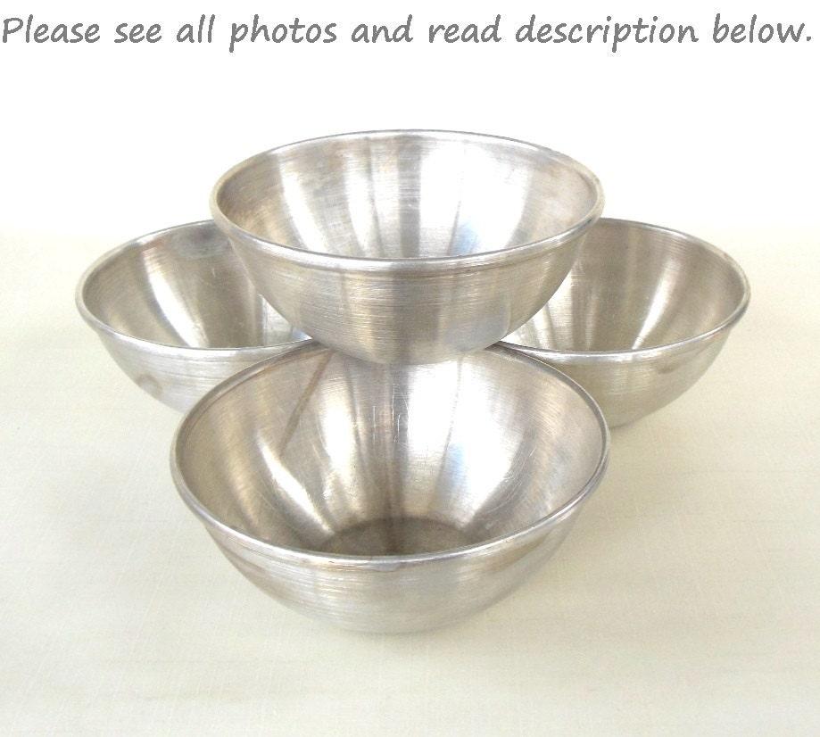 Vintage Kitchen Bowls: Mirro Aluminum Bowls Popcorn Salad Retro 1960s Kitchen Vintage