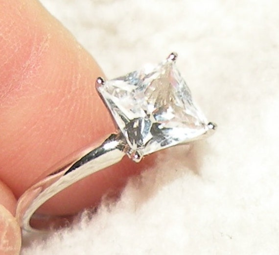 14kt W.G. Princess White Sapphire Engagement Solitiare Ring