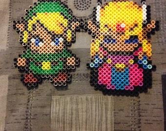 Legend of Zelda- Link and Princess Zelda magnet set.