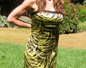 NWOTJovani Chartreuse Zebra Silk Strapless Formal Mermaid Gown with 3 Tiers Bow and Train Size 8