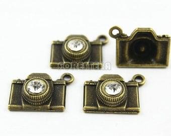 5Pcs 18x15mm Antique Brass Camera Charm Pendant (PND022)