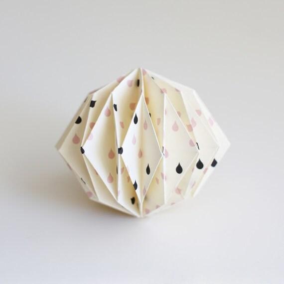 articoli simili a palla origami gocce su etsy. Black Bedroom Furniture Sets. Home Design Ideas