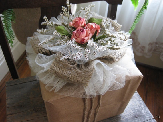 Ideas For Wrapping Wedding Gifts: Items Similar To Tulle Rose Gift Topper Birthday Wedding