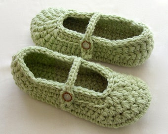 Crochet Slippers, Women Slippers, Ladies Slippers, House Slippers, Womens Slippers, Womens House Slippers, Size 7 / 8