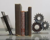 Coil and sprocket metal industrial bookends