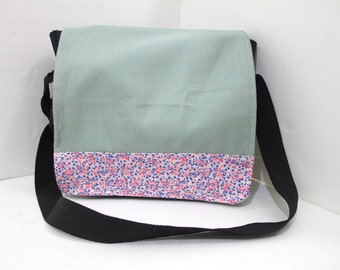SALE Vintage Retro Fabric Flowered Messenger Bag