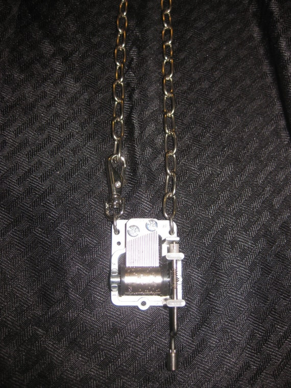 Heyltje Rose Music BOx Necklace plays Led Zeppelin's Stairway to Heaven