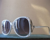 White sunglasses frames metal detailing at temples with black inlay - vintage 1970's Retro Shades - Indie, Hipster, Rocker Shades - TheFirstKiss
