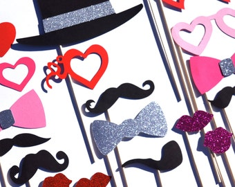 Valentines Day Props with GLITTER - 21 pieces on a stick - Great Photobooth Props - Valentines Day Photo Booth Props - SILVER