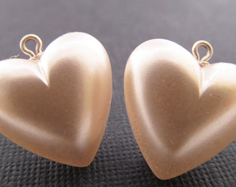 6 Vintage 20mm Pearlized Cream Puffy Heart Charms Pd300