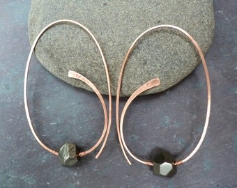 Pyrite and copper hand-hammered loopy hoop threader earrings. Organic copper earrings with faceted pyrite nuggets for women and teens.