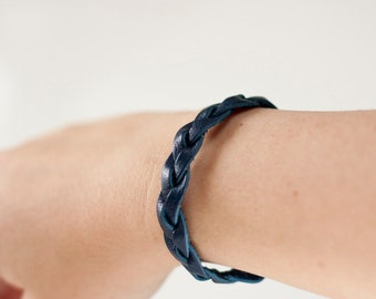 Braided Leather Bracelet / Navy Blue