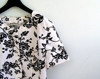 MASKIT  Summer Waist Jacket Blouse, 70s Women Blouse Padded Shoulder, Vintage Designer Jacket, Waist Blouse Black White Waist Jacket Floral