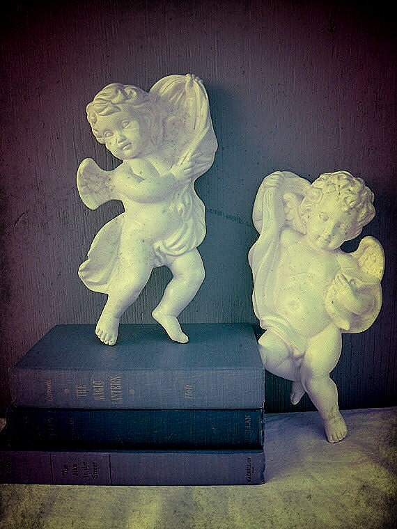 Cherub wall art angel wall hangings cupid plaques ivory for Angel wall decoration