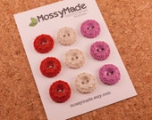 Buttons Vintage Scallop Style - Be Mine (sparkle red, pearl & pearly magenta)