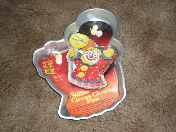 Wilton Cake Decorating Balloons : Vintage 1981 Wilton Circus Clown with Balloons Cake Pan Free