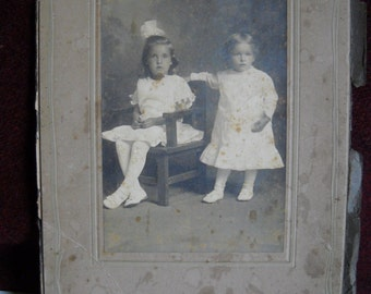 Photo, Blake Studio, Knoxville,TN, Sisters or Cousins, Antique photograph, 19th Century