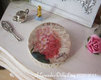 Vintage Hydrangea Plate for Dollhouse