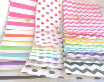 27RaiNBoW PaCK MeDiUM CHeVRoN, Stripe and Dot PaPER BAGs---party favors--gifts---weddings--showers--27ct