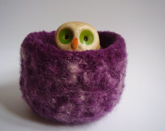 wee felted wool bowl, jewelry holder , violet and cream