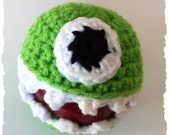 Green Monster Fruit / Apple Cozy.  Protect and Display fruit, Great gift for teachers, students, anyone.  Custom Colors Available