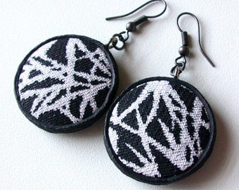 B&W Grass Blades Earrings