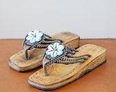 SALE 1970s Seashell Sandals NWOT / 70s Flip Flops // The Seaside Sandals
