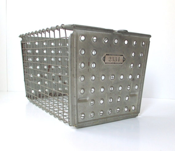 Vintage Metal Baskets 103