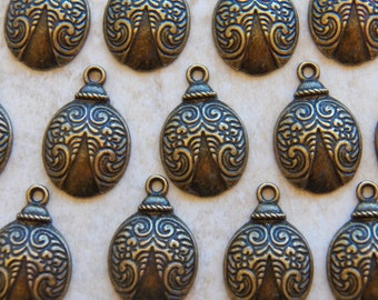 25X17mm Antique Bronze Victorian Style Ladybug Charm Pendants, 4 PC (INDOC366)