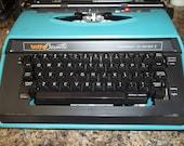 Brother Cassette Correct-O-Writer vintage type writer w/original case