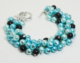 Turquoise, Aqua  and Black Pearl Cluster Bracelet. Bridal Jewelry, Bridesmaids Party, Wedding bracelet, Bridal Jewelry, Aqua Chunky Bracelet